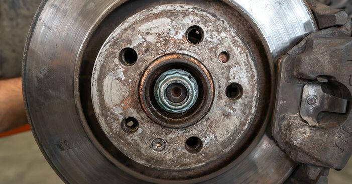Hinweise des Automechanikers zum Wechseln von AUDI A3 Schrägheck (8L1) 1.6 2002 Stoßdämpfer