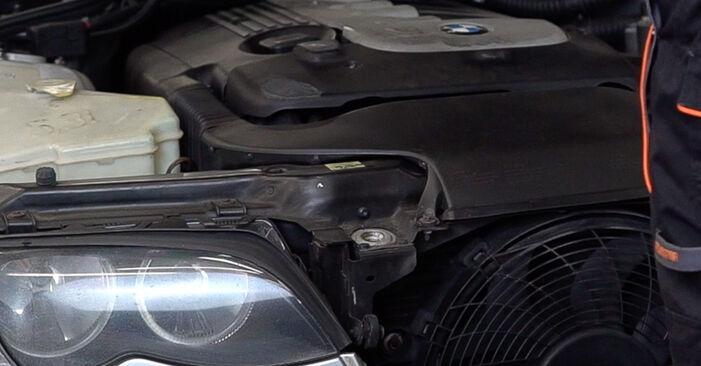 Wie Innenraumfilter BMW 3 Touring (E46) 320d 2.0 1998 tauschen - Kostenlose PDF- und Videoanleitungen