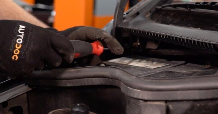 Corsa C Hatchback (X01) 1.7 DTI (F08, F68) 2001 Pollen Filter DIY replacement workshop manual