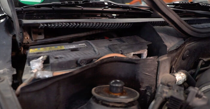 Changing Pollen Filter on OPEL Corsa C Hatchback (X01) 1.2 Twinport (F08, F68) 2003 by yourself