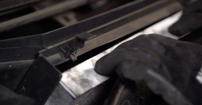 Wie schwer ist es, selbst zu reparieren: Innenraumfilter Opel Corsa C 1.7 DI (F08, F68) 2006 Tausch - Downloaden Sie sich illustrierte Anleitungen