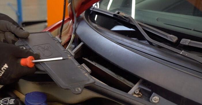 Trocar Filtro do Habitáculo no CITROËN C3 I Hatchback (FC_, FN_) 1.6 16V 2005 por conta própria