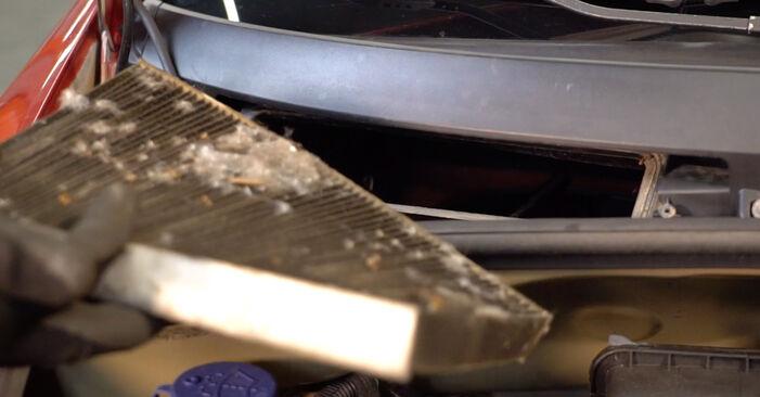 Wie CITROËN C3 1.4 16V HDi 2006 Innenraumfilter ausbauen - Einfach zu verstehende Anleitungen online