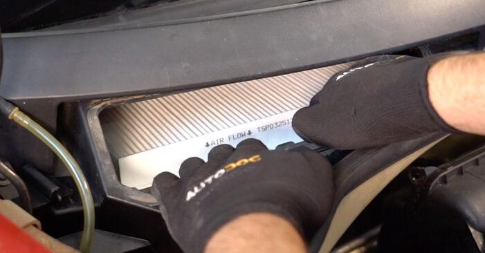 Innenraumfilter am CITROËN C3 I Schrägheck (FC_, FN_) 1.6 16V HDi 2007 wechseln – Laden Sie sich PDF-Handbücher und Videoanleitungen herunter