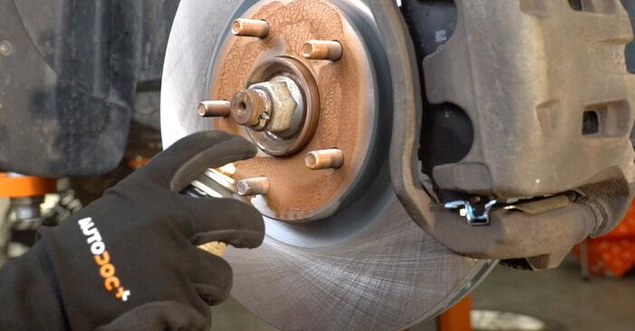Bremsscheiben Ihres Nissan Qashqai j10 2.0 dCi Allrad 2006 selbst Wechsel - Gratis Tutorial