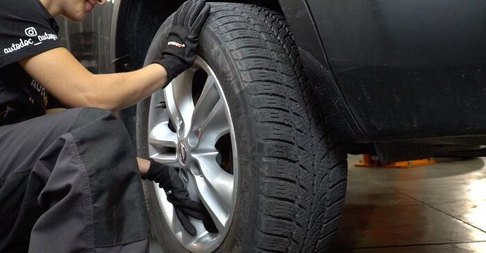 Austauschen Anleitung Bremsscheiben am Nissan Qashqai j10 2008 1.5 dCi selbst