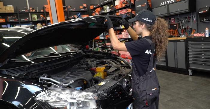 Hur byta Bromsbelägg på Nissan Qashqai j10 2006 – gratis PDF- och videomanualer