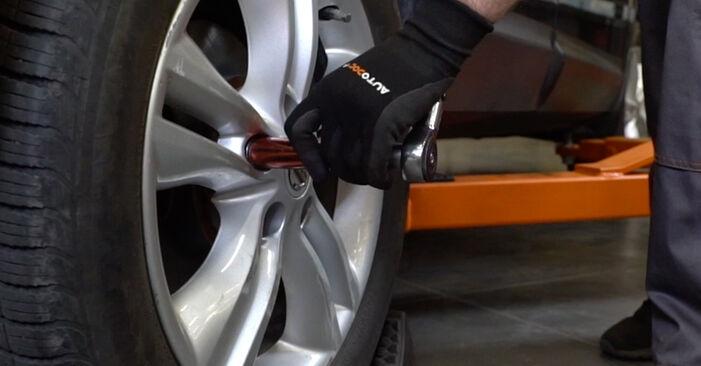 Wie lange benötigt das Auswechseln der Teile: Bremsbeläge beim Nissan Qashqai j10 2006 - Detailliertes PDF-Tutorial
