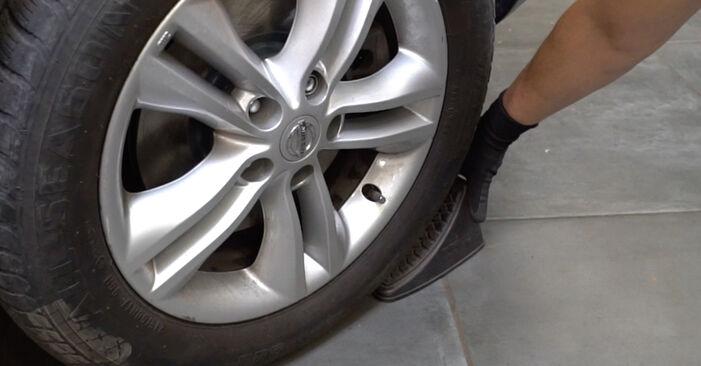 Stoßdämpfer Nissan Qashqai j10 1.6 2008 wechseln: Kostenlose Reparaturhandbücher
