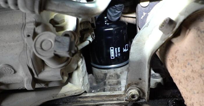 Recomendaciones paso a paso para la sustitución por su cuenta Seat Ibiza 6l1 2007 1.4 TDI Filtro de Aceite