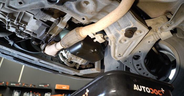 Cómo quitar Filtro de Aceite en un SEAT IBIZA 1.4 TDI 2006 - instrucciones online fáciles de seguir