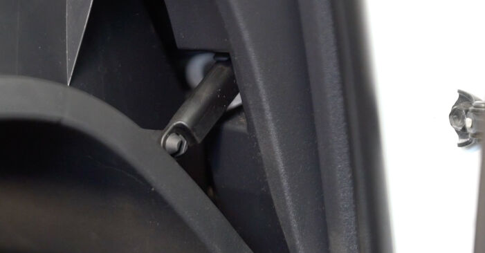 Ar sudėtinga pasidaryti pačiam: Toyota Auris e15 1.33 Dual-VVTi (NRE150_) 2012 Oro filtras, keleivio vieta keitimas - atsisiųskite iliustruotą instrukciją