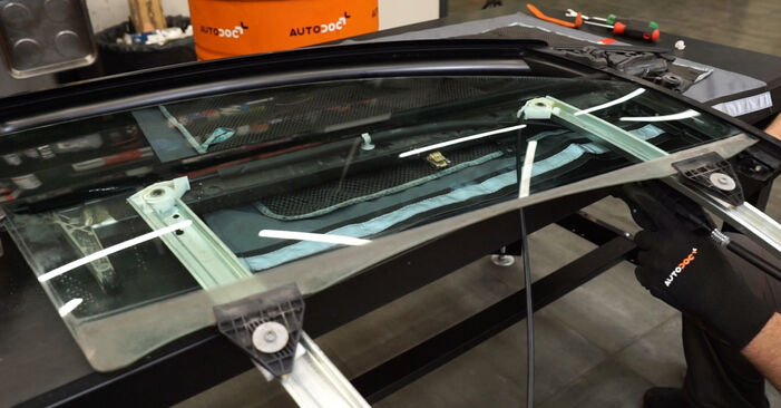 Changing of Window Regulator on Audi A4 B7 Saloon 2007 won't be an issue if you follow this illustrated step-by-step guide