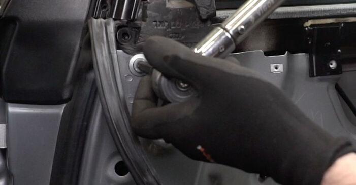 Audi A4 B7 Saloon 1.9 TDI 2006 Window Regulator replacement: free workshop manuals