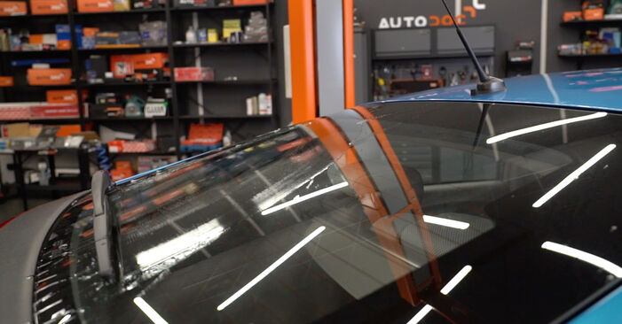 How to replace Wiper Blades on HONDA INSIGHT (ZE_) 2014: download PDF manuals and video instructions