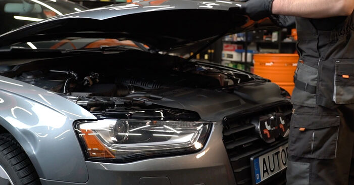 How to change Air Filter on Audi A4 B8 Saloon 2007 - free PDF and video manuals
