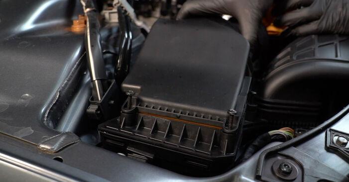 Byt A4 Sedan (8K2, B8) S4 3.0 quattro 2009 Luftfilter – gör det själv med verkstadsmanual