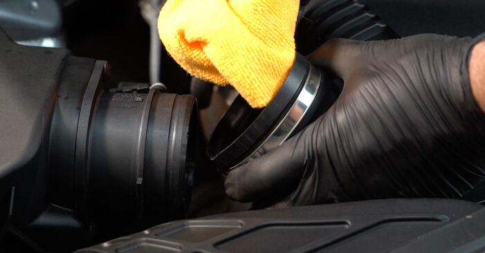 Steg-för-steg-rekommendationer för att byta Audi A4 B8 Sedan 2011 S4 3.0 quattro Luftfilter på egen hand