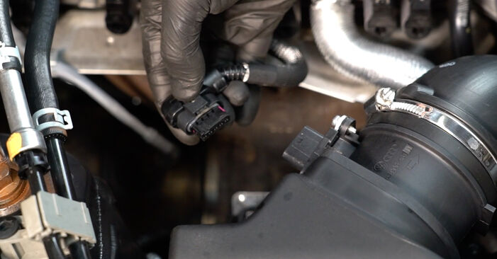 Audi A4 B8 Saloon 1.8 TFSI 2009 Air Filter replacement: free workshop manuals