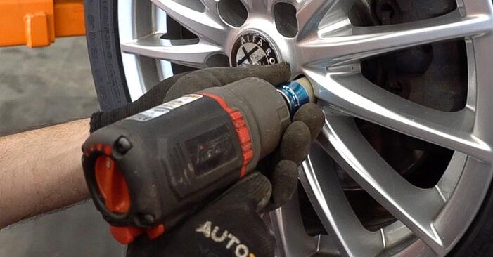 Wie Koppelstange ALFA ROMEO 159 Sportwagon (939) 2.4 JTDM 2006 austauschen - Schrittweise Handbücher und Videoanleitungen
