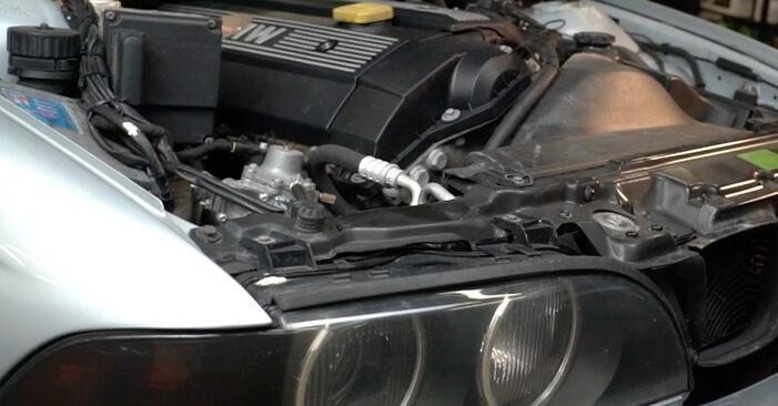 Wie man Ölfilter beim BMW E39 1990 wechselt - Gratis PDF- und Video-Tutorials