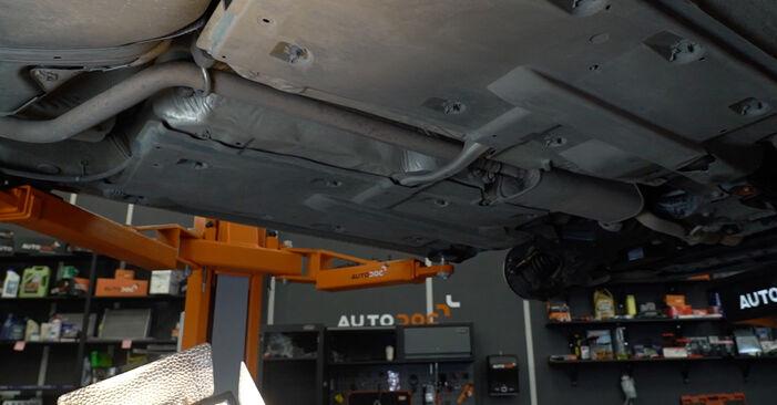 Polo Sedan (602, 604, 612, 614) 1.6 2020 Brændstoffilter gør-det-selv udskiftnings værksted manual