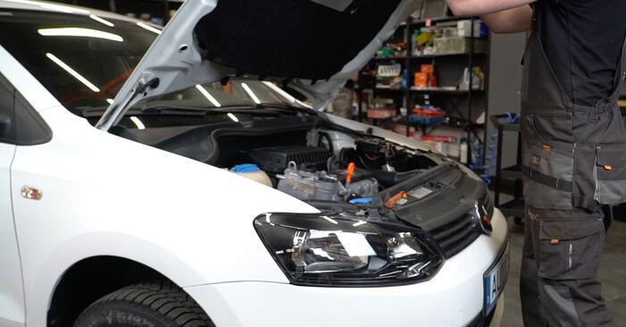 Comment changer Bougies d'Allumage sur VW Polo 5 Berline 2009 - Manuels PDF et vidéo gratuits