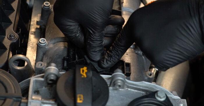 Comment changer Bougies d'Allumage sur VW Polo Berline (602, 604, 612, 614) 2021 - trucs et astuces