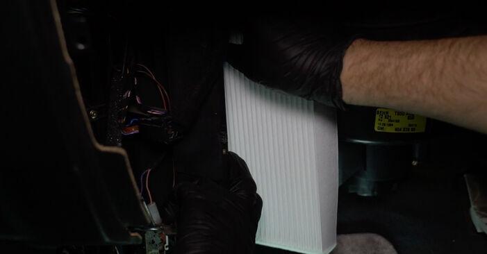 Austauschen Anleitung Innenraumfilter am Opel Zafira f75 2002 2.0 DTI 16V (F75) selbst