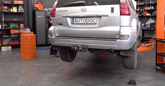 Koppelstange Toyota Prado J120 3.0 D 2004 wechseln: Kostenlose Reparaturhandbücher