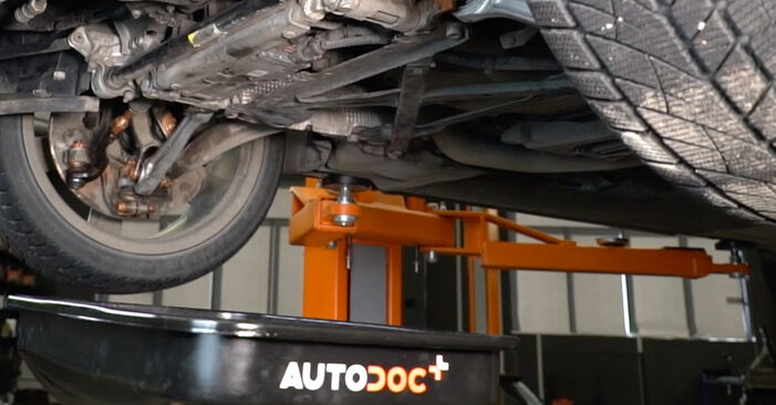 How to replace Oil Filter on AUDI A4 Saloon (8K2, B8) 2012: download PDF manuals and video instructions