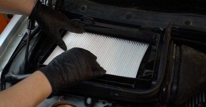 Austauschen Anleitung Innenraumfilter am BMW E39 1996 523i 2.5 selbst