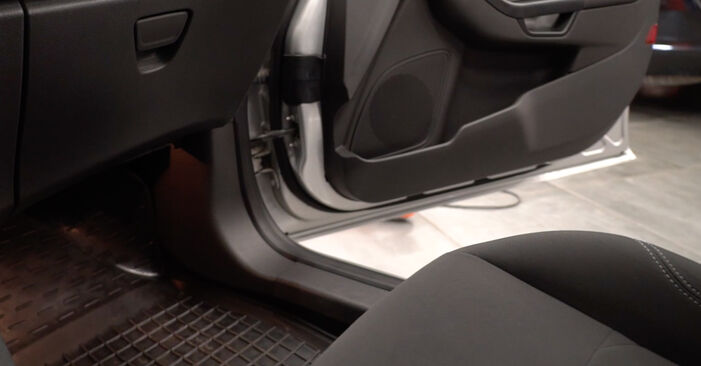 How to change Pollen Filter on Ford Fiesta ja8 2008 - free PDF and video manuals