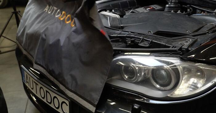 1 Coupe (E82) 125i 3.0 2011 Interieurfilter handleiding voor het doe-het-zelf vervangen