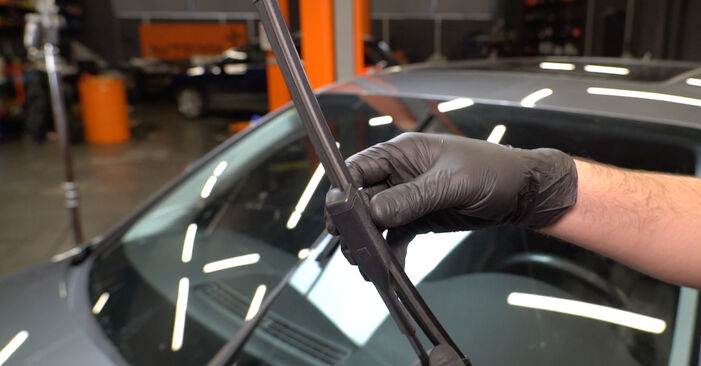 Changing Wiper Blades on AUDI A4 Saloon (8K2, B8) 3.0 TDI quattro 2010 by yourself