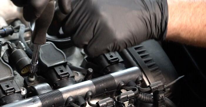 Κάντε μόνοι σας την αντικατάσταση AUDI A4 Sedan (8K2, B8) 2.7 TDI 2012 Μπουζί - online tutorial