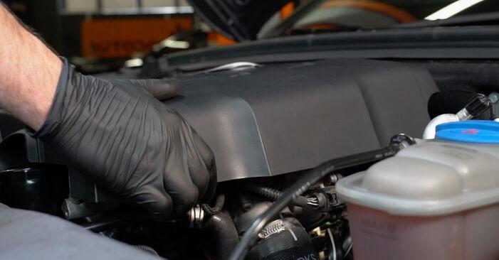 Πώς να αλλάξετε Μπουζί σε Audi A4 B8 Sedan 2007 - δωρεάν εγχειρίδια PDF και βίντεο οδηγιών