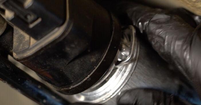 Schritt-für-Schritt-Tutorial zum eigenständigen Austausch von BMW E60 2004 525d 3.0 Kraftstofffilter