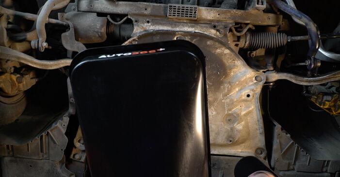 Wie man BMW 5 SERIES 525d 3.0 2005 Ölfilter wechselt - Einfach nachzuvollziehende Tutorials online