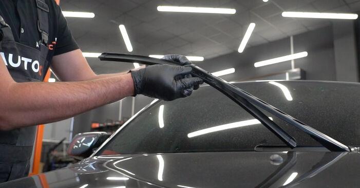 Wie man BMW 5 Limousine (E60) 530d 3.0 2002 Scheibenwischer austauscht - Schritt-für-Schritt-Tutorials und Videoanleitungen