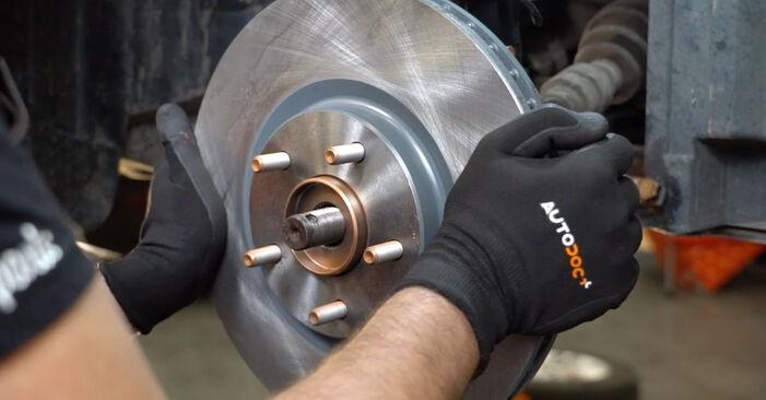 Wie Radlager beim Nissan Qashqai j10 2006 gewechselt werden - Unentgeltliche PDF- und Videoanweisungen