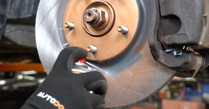 Wie lange benötigt das Auswechseln der Teile: Radlager beim Nissan Qashqai j10 2006 - Detailliertes PDF-Tutorial