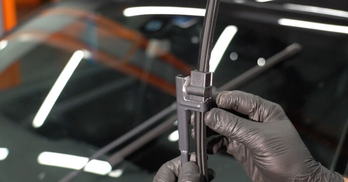 How hard is it to do yourself: Wiper Blades replacement on Octavia 1z5 1.6 2010 - download illustrated guide