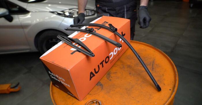 Come cambiare Tergicristalli su Ford Fiesta ja8 2008 - manuali PDF e video gratuiti