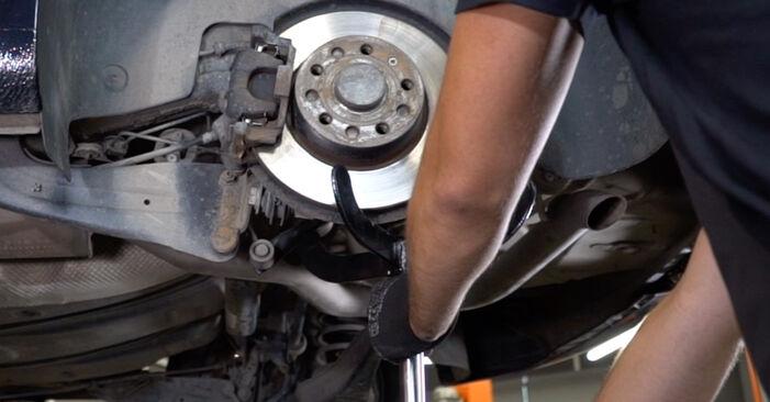 Sostituzione di VW TOURAN 1.4 TSI EcoFuel Molla Ammortizzatore: guide online e tutorial video