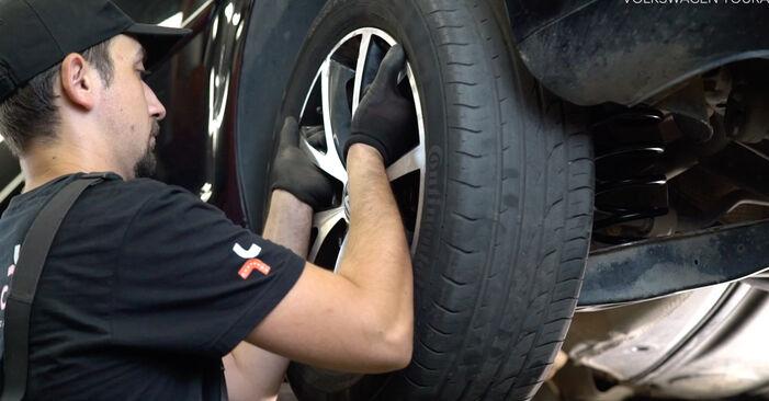 Sostituire Molla Ammortizzatore su VW TOURAN (1T3) 1.4 TSI 2012 non è più un problema con il nostro tutorial passo-passo