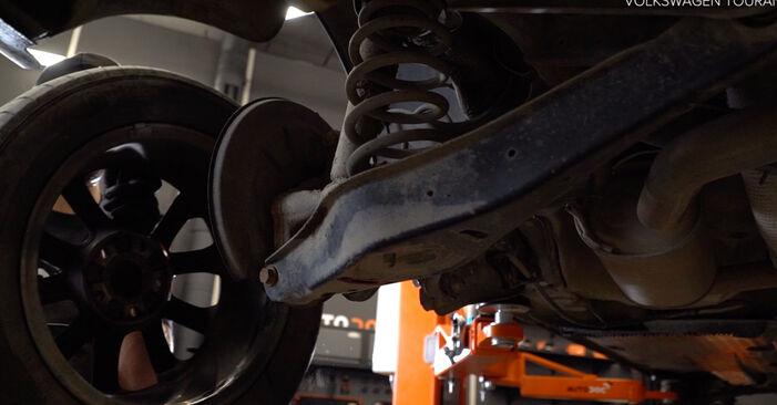 Come rimuovere VW TOURAN 1.2 TSI 2014 Molla Ammortizzatore - istruzioni online facili da seguire