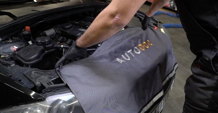Så byter du BMW 1 Coupe (E82) 120d 2.0 2002 Tändstift – manualer och videoguider att följa steg för steg