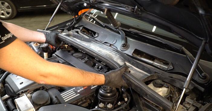 Byt 1 Coupe (E82) 125i 3.0 2003 Tändstift – gör det själv med verkstadsmanual