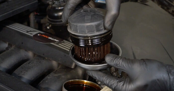 Replacing Oil Filter on BMW E82 2002 120d 2.0 by yourself
